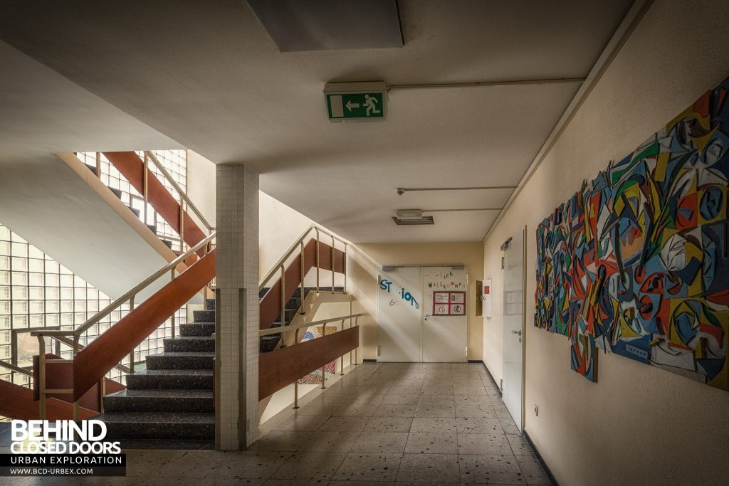 Psychiatrie V Germany - Collage and stairs