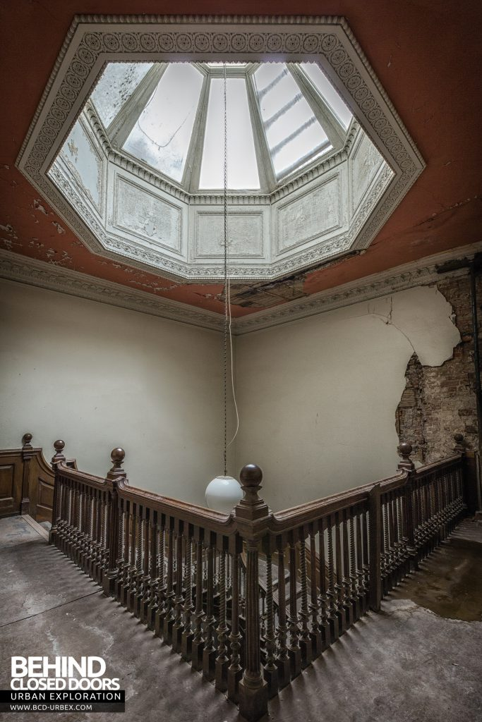 Brogyntyn Hall - Top of stairs