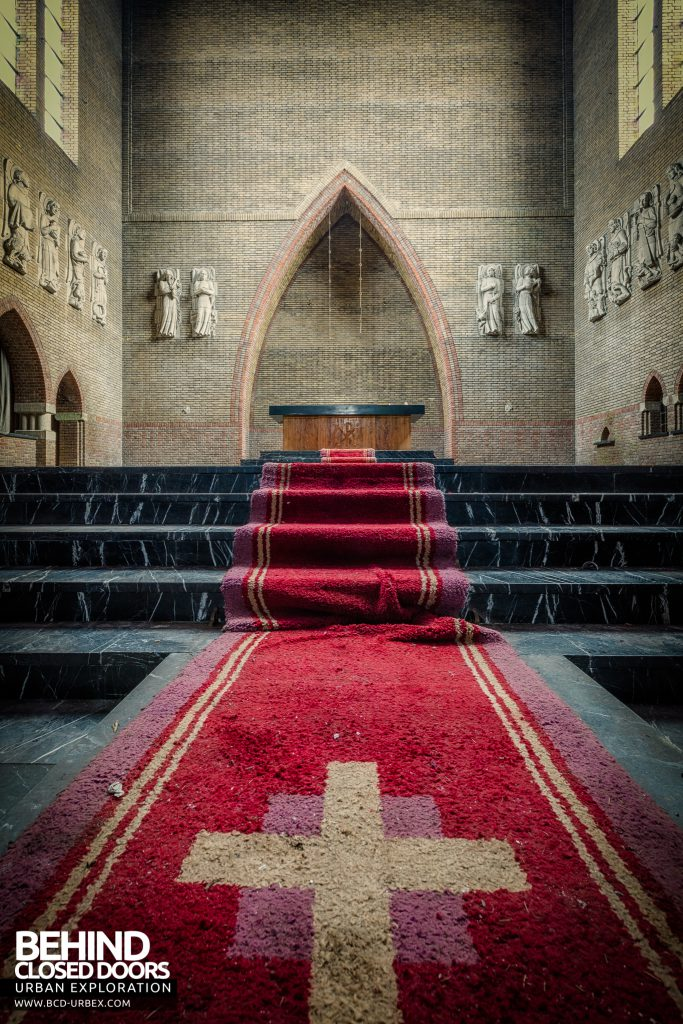 Rainbow Church, Netherlands - Cross on carpet