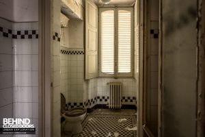 Villa Margherita, Italy - Tiled toilet