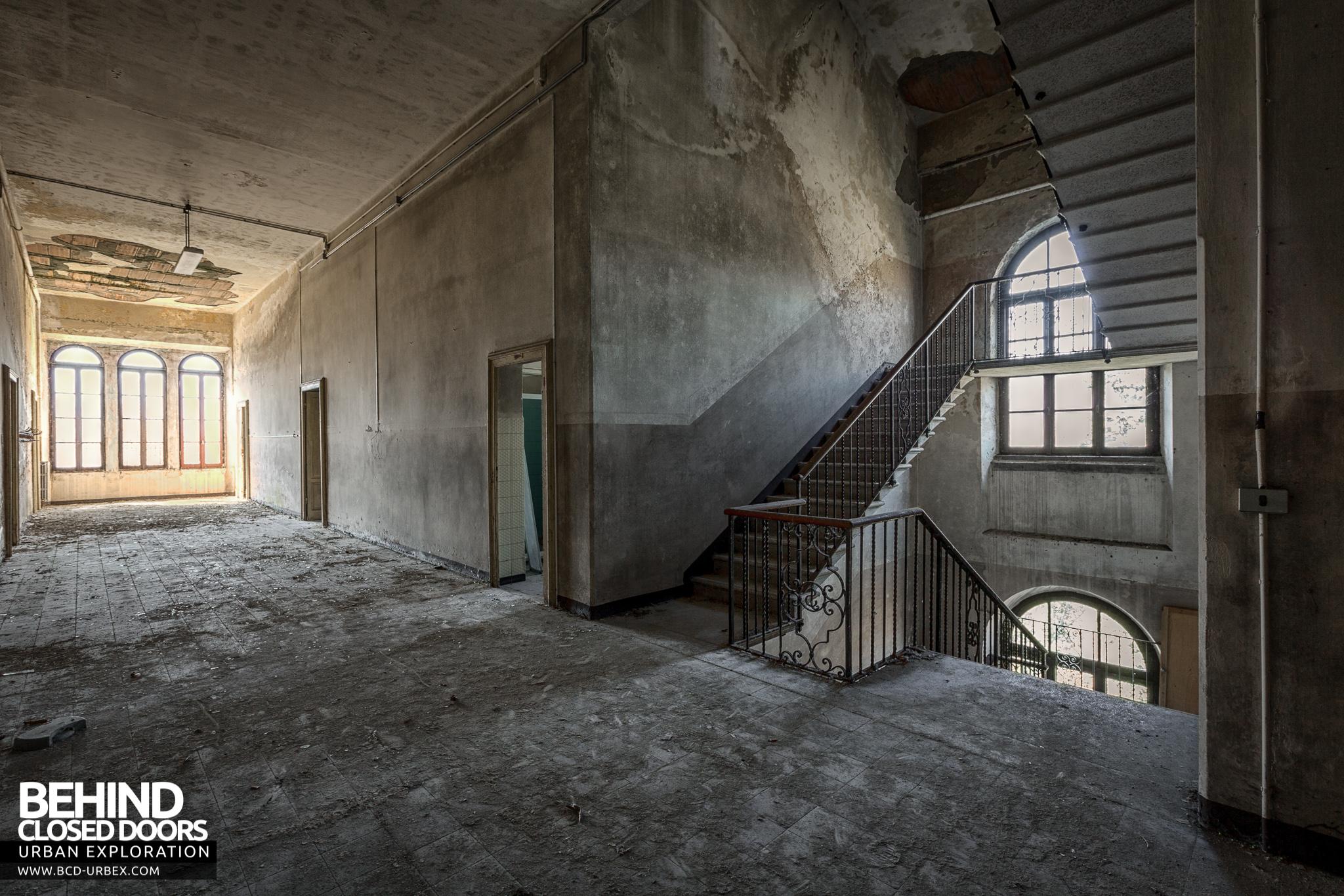 Blue Chapel Abandoned Monastery Italy 187 Urbex Behind