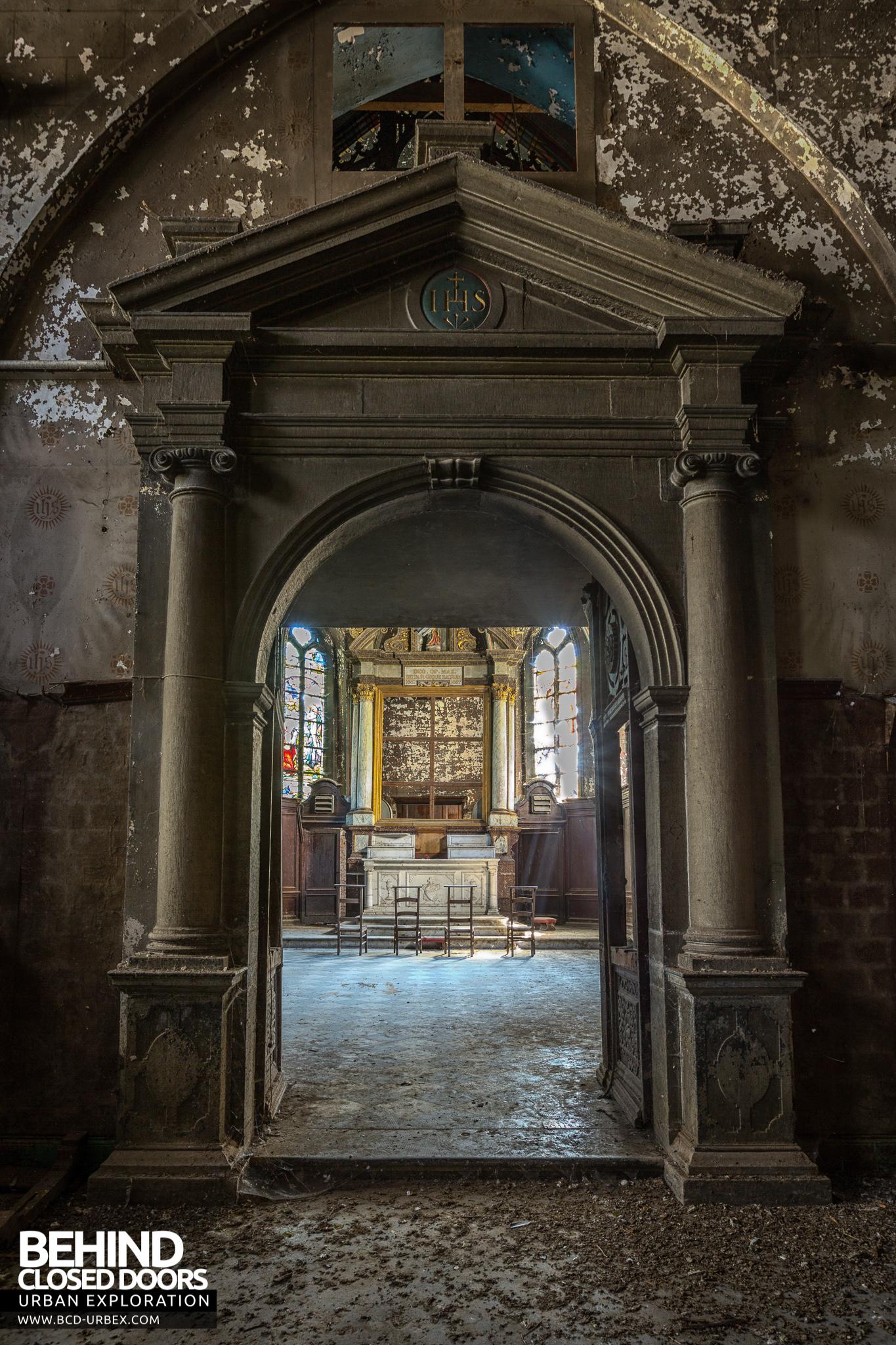 Chapelle De La Rose \u2013 Through the chapel door & Chapelle De La Rose Belgium » Urbex | Behind Closed Doors Urban ...