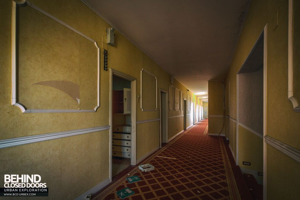Paragon Hotel, Italy - Corridor to hotel rooms