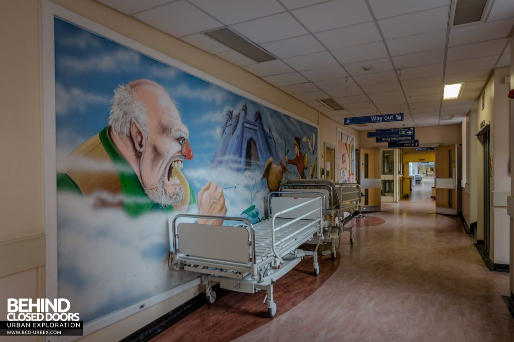 Alder Hey Children's Hospital - Murals painted on walls