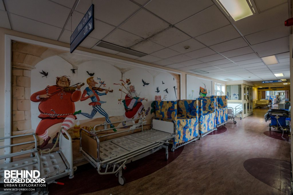 Alder Hey Children's Hospital - Murals on the wall