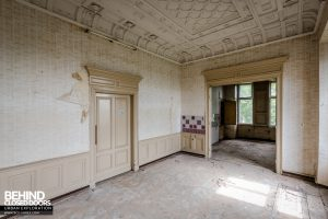 Schloss V, Germany - Upstairs room