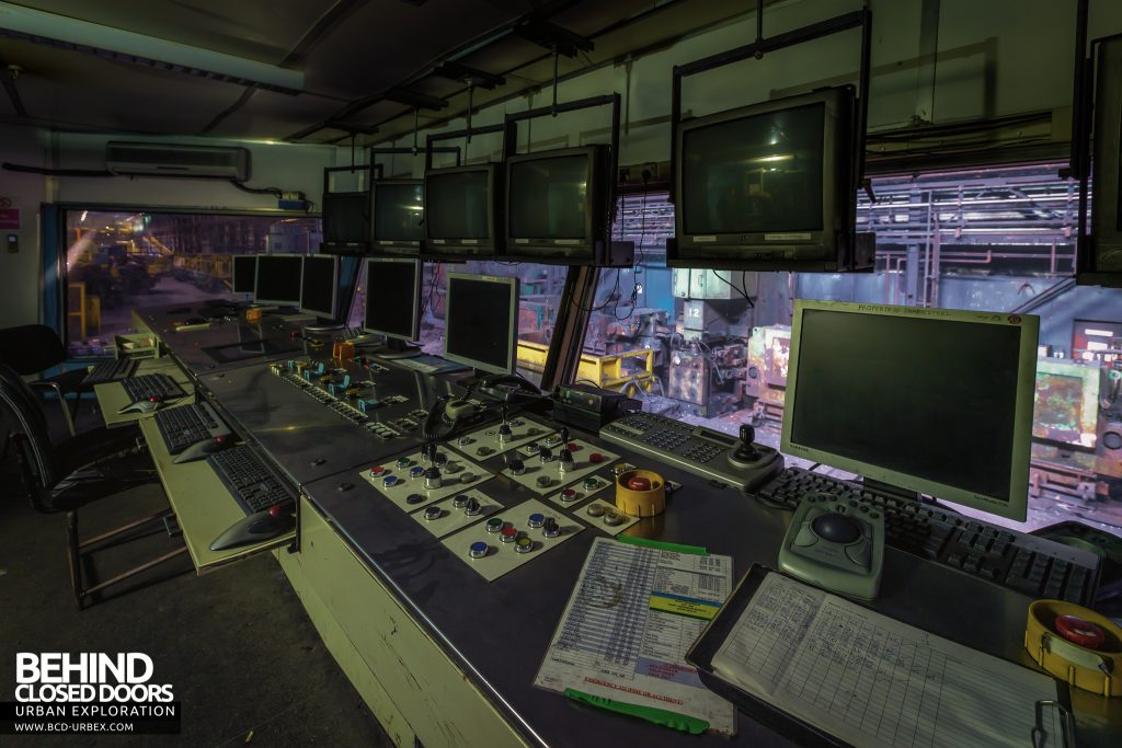 Thamesteel Sheerness - Computerised control room for the rolling mill