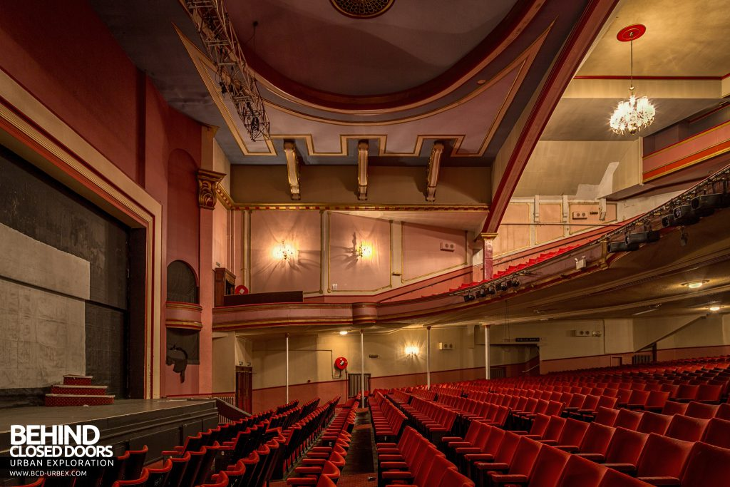 Futurist Theatre - Side view of the auditorium and stage