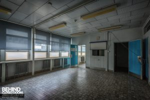 Hopital Civil de Charleroi - Empty room