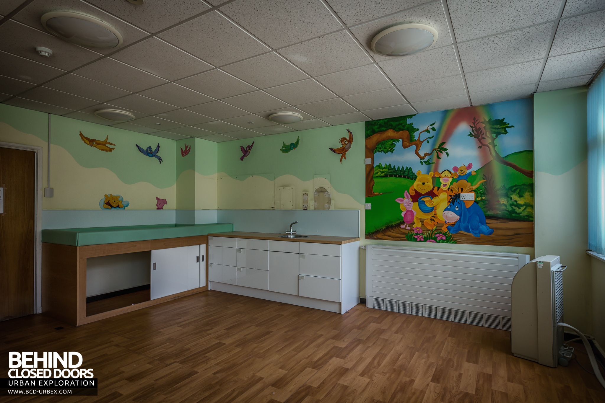 Queen Elizabeth II Hospital U2013 Postnatal Care Room