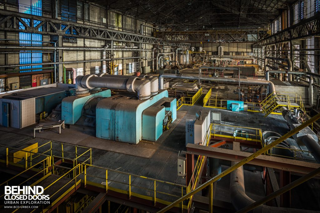 Blue Power Plant - Overview of the turbine hall