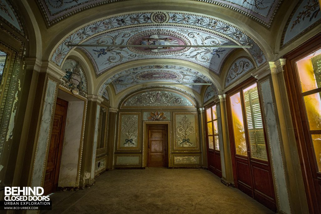 Palace Casino, Italy - The elegant entrance hall