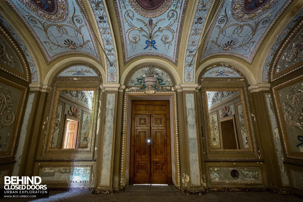 Palace Casino, Italy - The entrance hall is exquisitely decorated