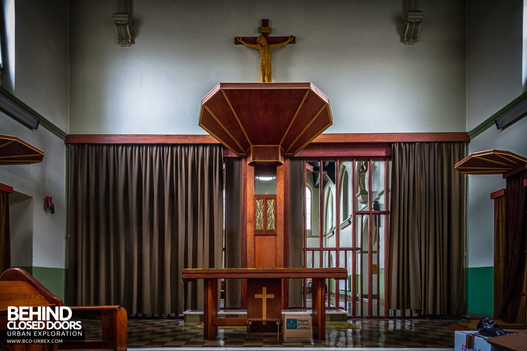 St Joseph's Convent of the Poor Clares - Altar in the main chapel