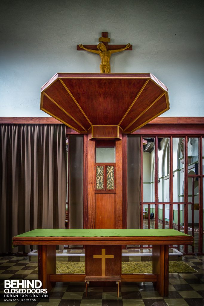 St Joseph's Convent of the Poor Clares - Altar