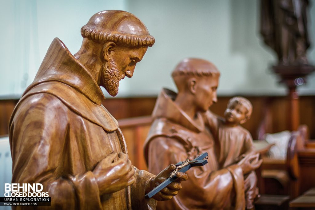 St Joseph's Convent of the Poor Clares - Statues in the chapel