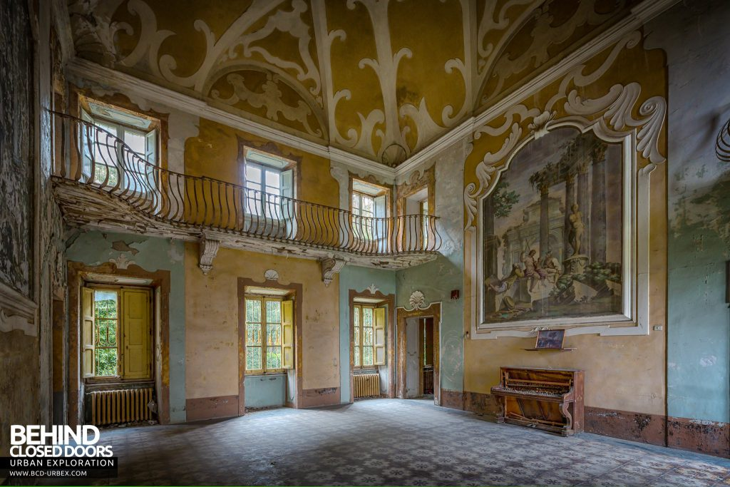 Villa Sbertolli, Italy - View showing the large painting on the wall from an angle