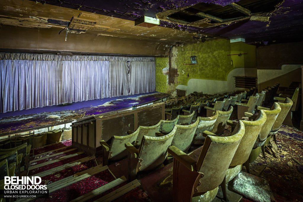 Danilo Cinema, Hinckley - Decaying seats in the auditorium