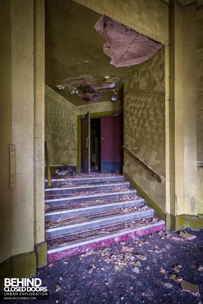 Danilo Cinema - Decaying steps