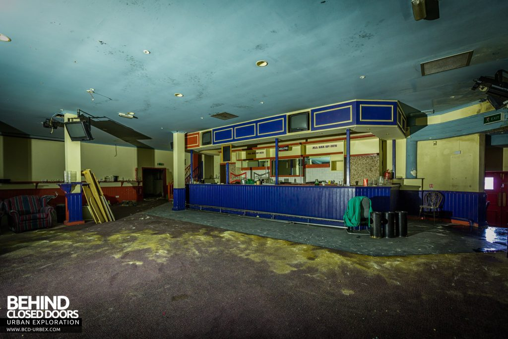 Danilo Cinema - The sports bar where the two lower screens used to be