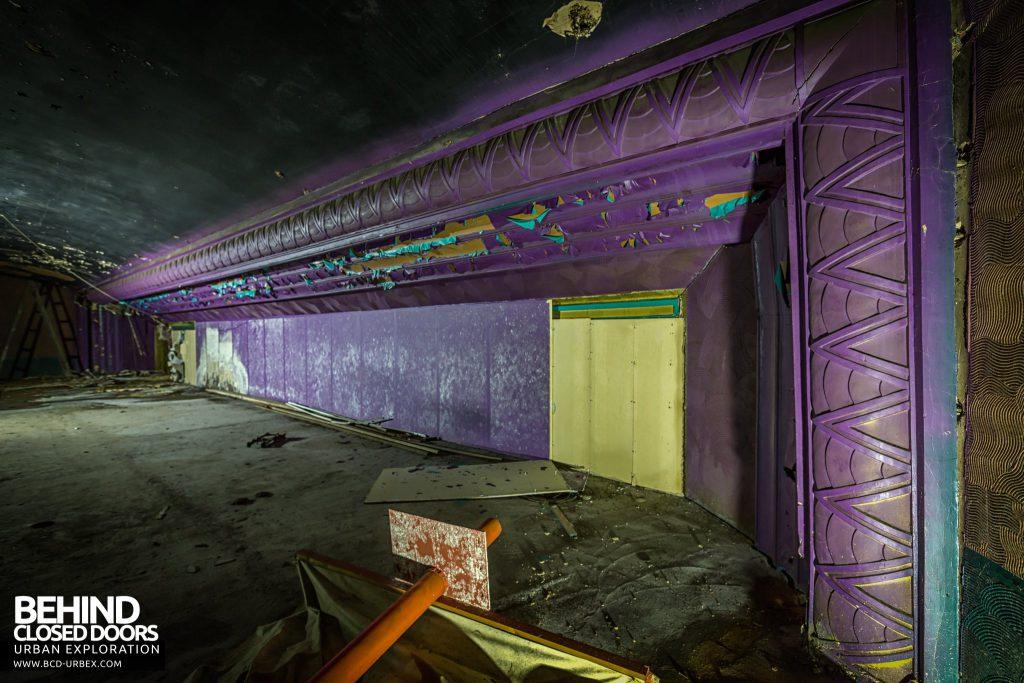 Danilo Cinema, Hinckley - The old proscenium arch still exists behind the cinema screen