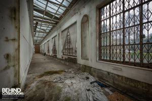Doughty House - Decaying corridor