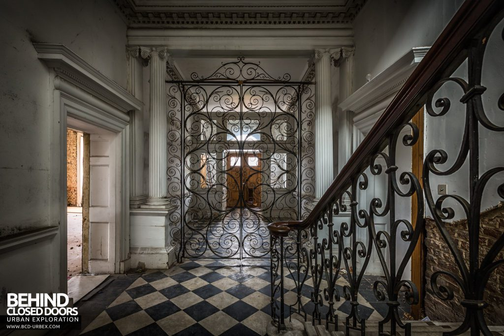 Doughty House, Richmond - Staircase and gates in hallway