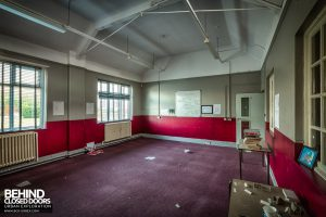 Holly Lodge, Liverpool - Empty classroom