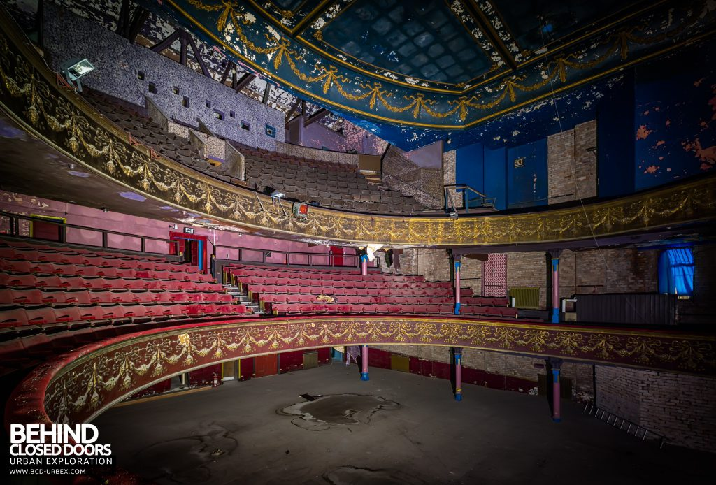Theatre Royal, Hyde - Auditorium with two balconies