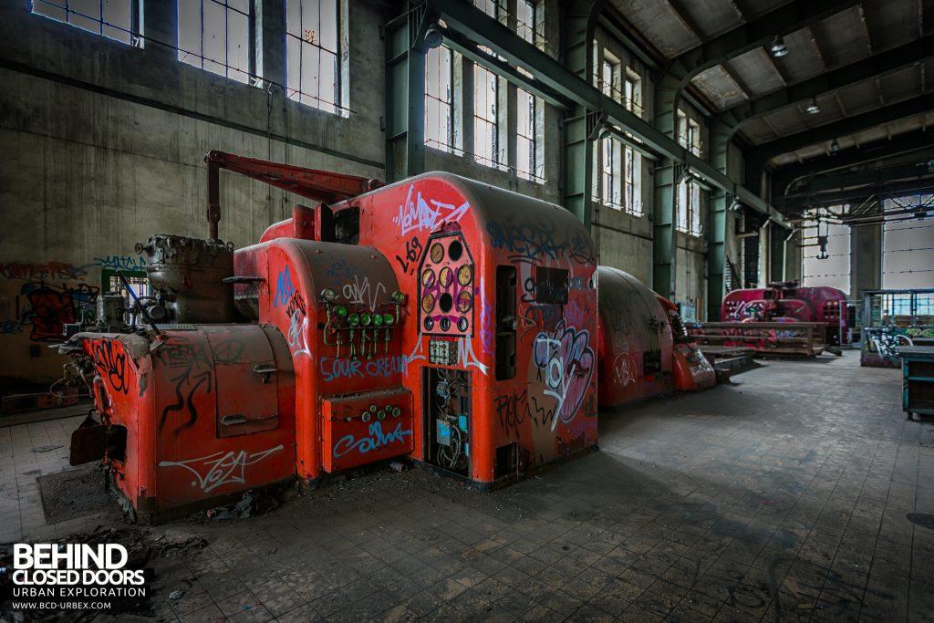Central Thermique, Luxembourg - Turbine covered in graffiti