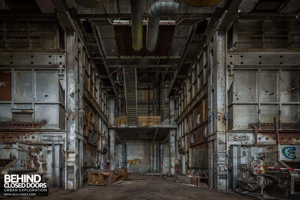 Central Thermique, Luxembourg - Giant steel walls of the boiler