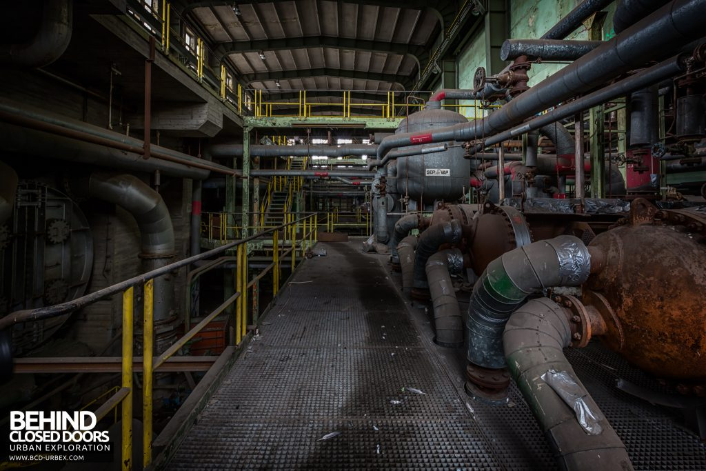 Central Thermique, Luxembourg - Pipes and tanks