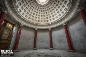Tottenham House - The round room