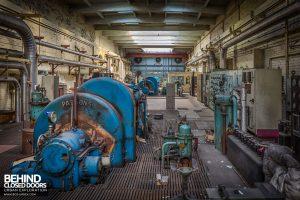 Markinch Power Station - Turbines in turbine hall