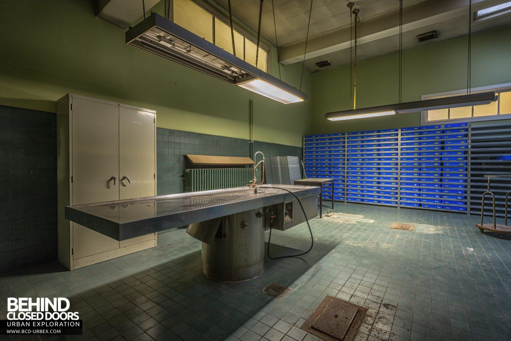 Twin Morgue, Belgium - Newer morgue