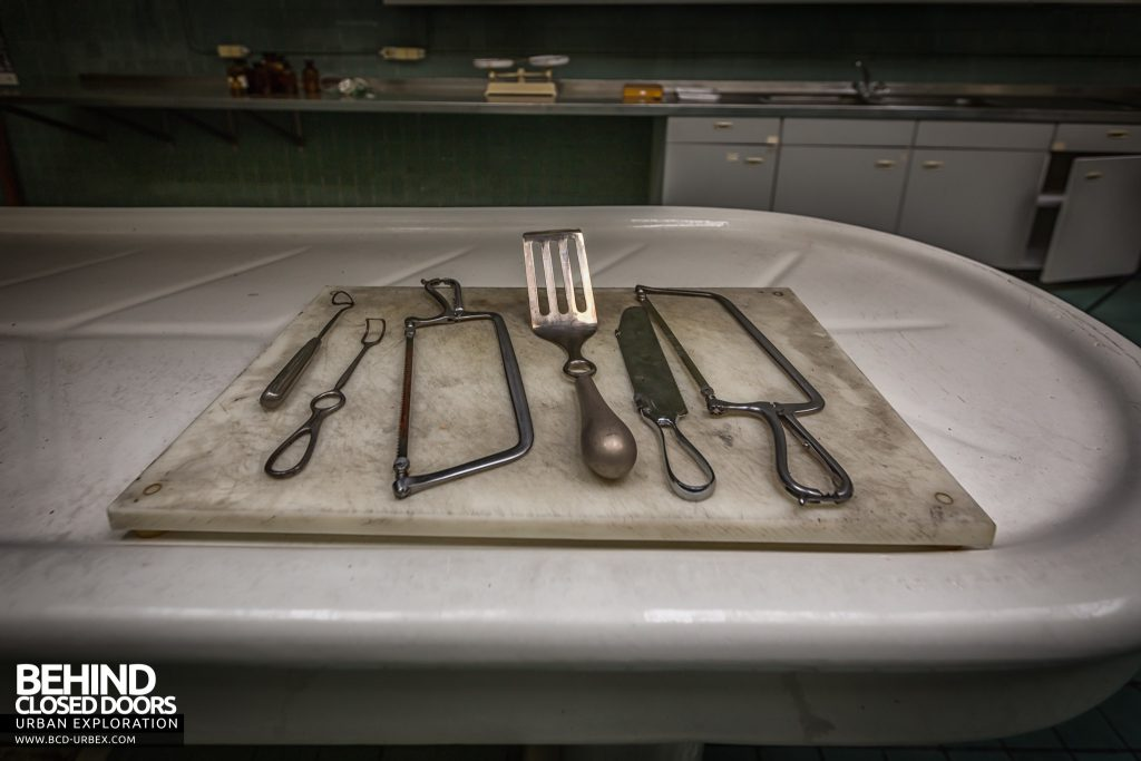 Twin Morgue, Belgium - Tools laid out on the slab