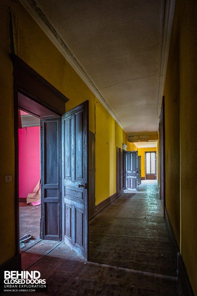 Château Poseidon - Corridor upstairs
