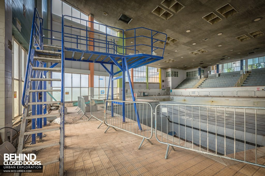 Scartho Baths Swimming Pool, Grimsby - Diving board