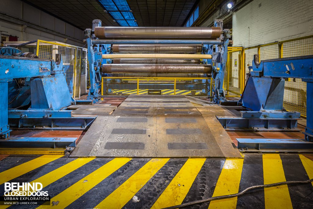Tullis Russell Papermakers - Spooling machine