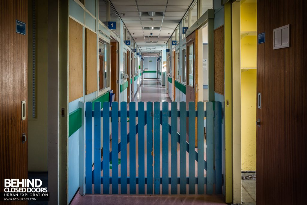Alder Hey Children's Hospital - Ward corridor with child-gate