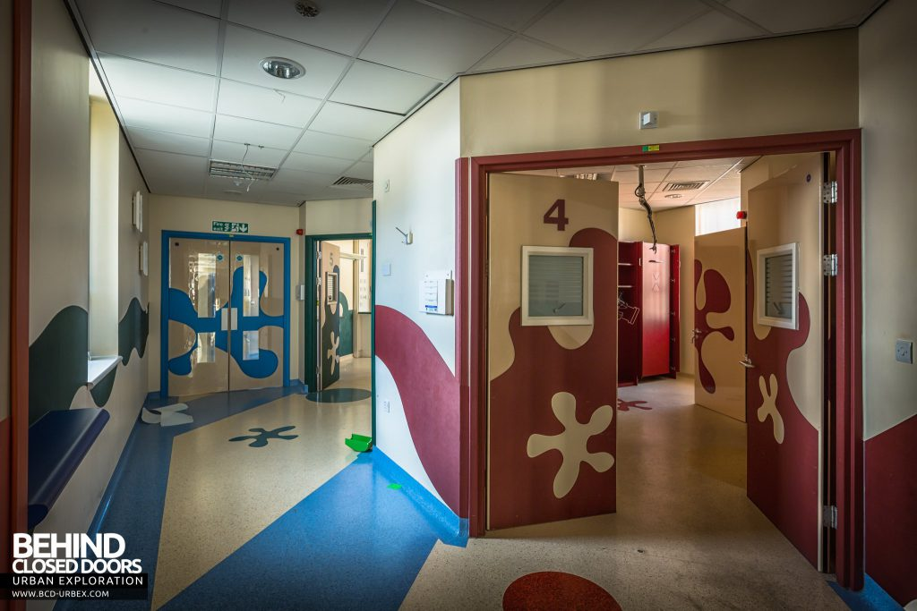 Alder Hey Children's Hospital - Entrance to theatres and recover rooms