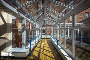 Alder Hey - Glass corridor