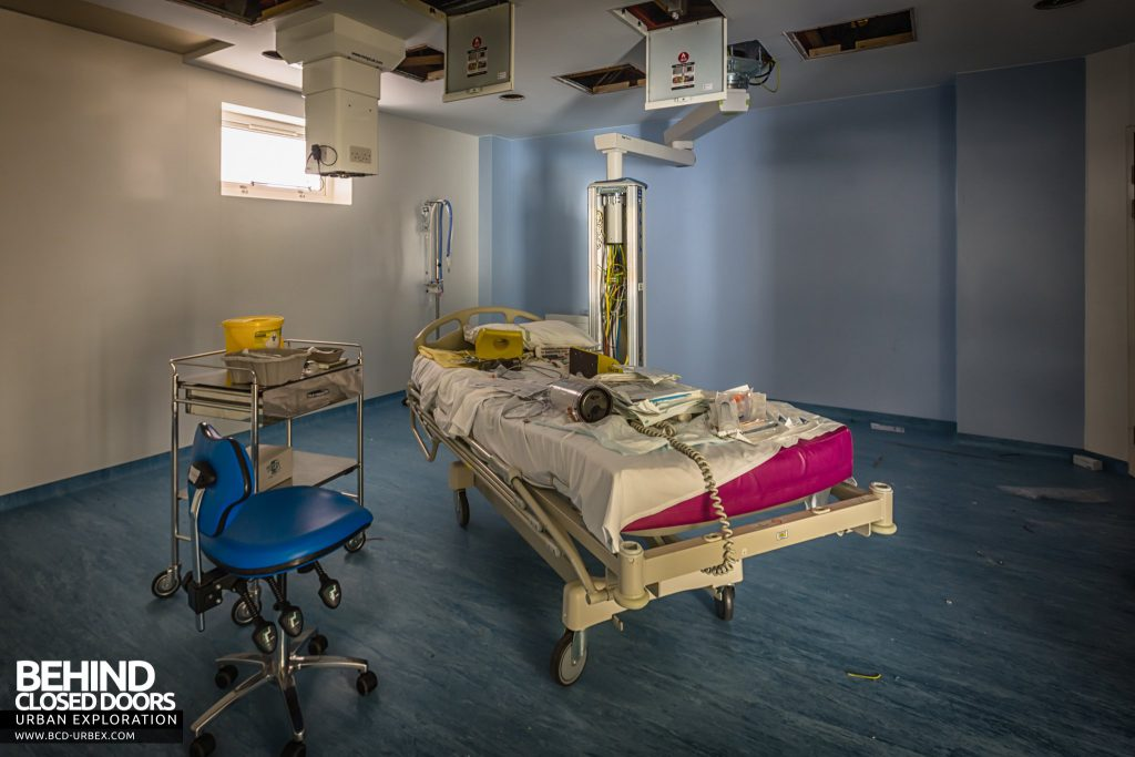 Alder Hey Children's Hospital - Hospital bed with various bits of medical equipment