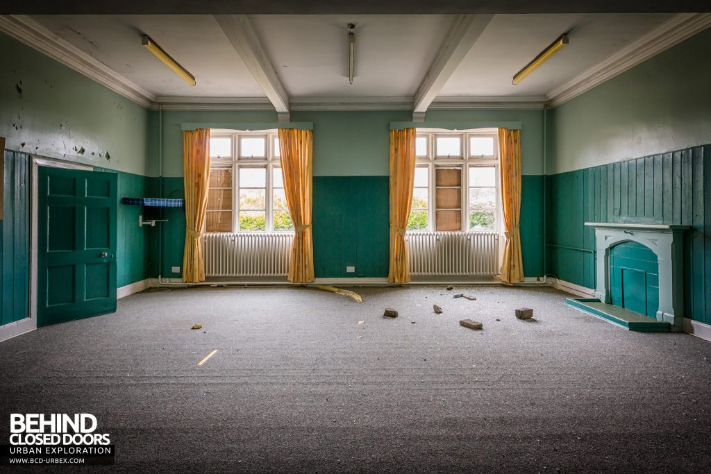 Sunnyside Asylum, Montrose - Curtains and fireplace on an old ward