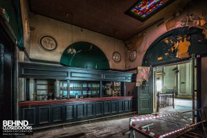 Wellington Rooms - Decay and peely paint