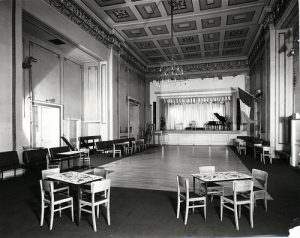 How it used to look - Historic photo of the ballroom