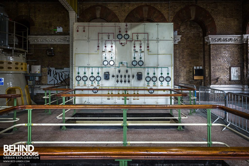Abbey Mills Pumping Station - Old control panel