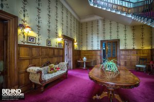 Quorn House - Furniture in hallway