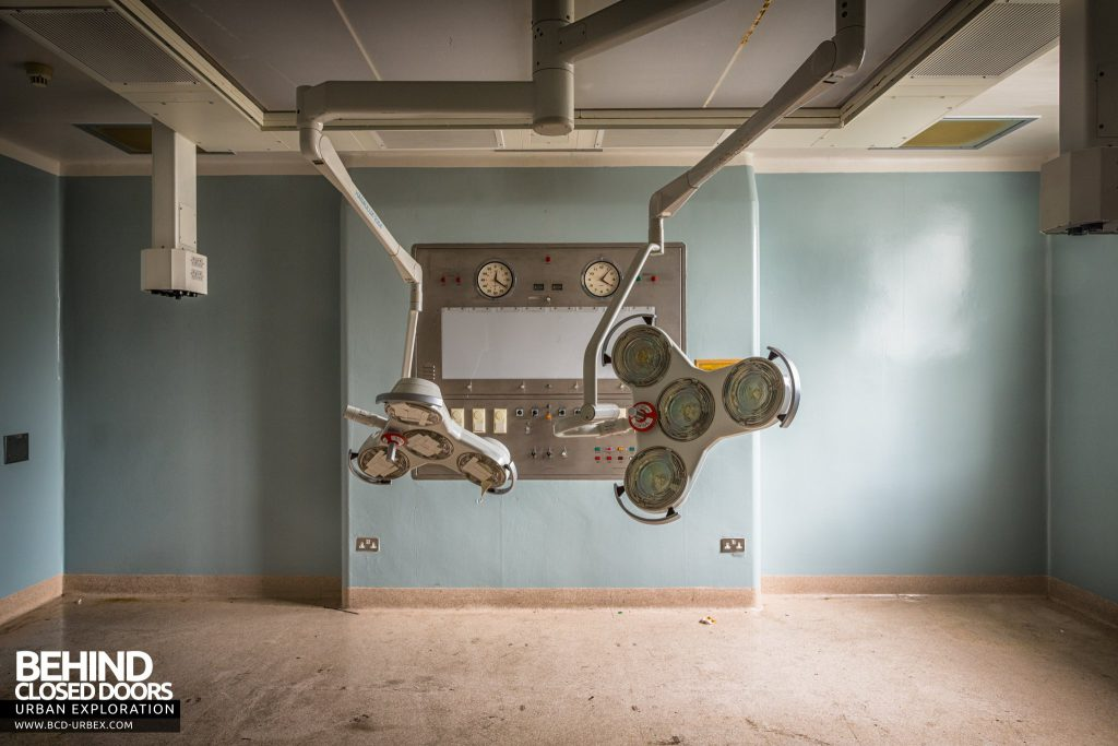 Royal London Hospital - Blue painted operating theatre