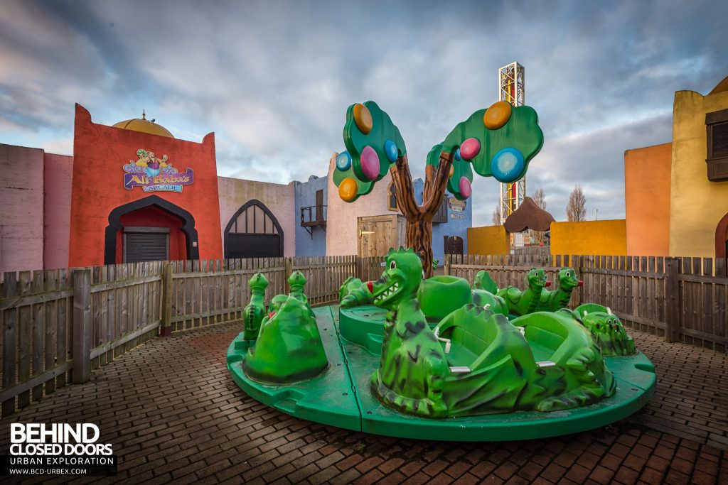 Pleasure Island, Cleethorpes - Frog ride in the Morocco area